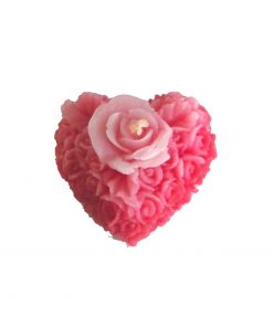 Lumanare rosie in forma de trandafir cu inima