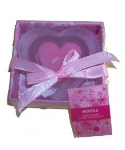 Lumanare roz in forma de inima cu suport din sticla