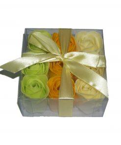 Trandafiri din sapun in trei culori